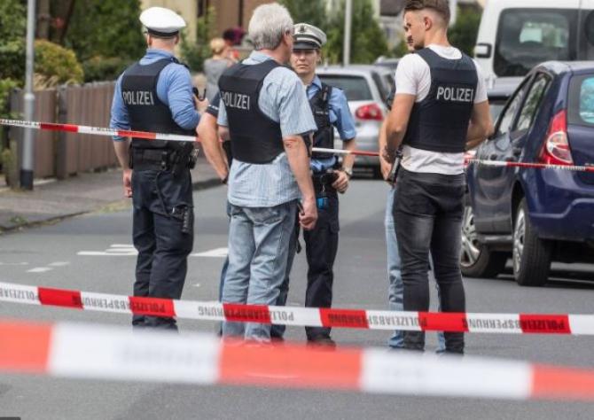 Germania. Un individ înarmat a fost împuşcat mortal de poliţie .