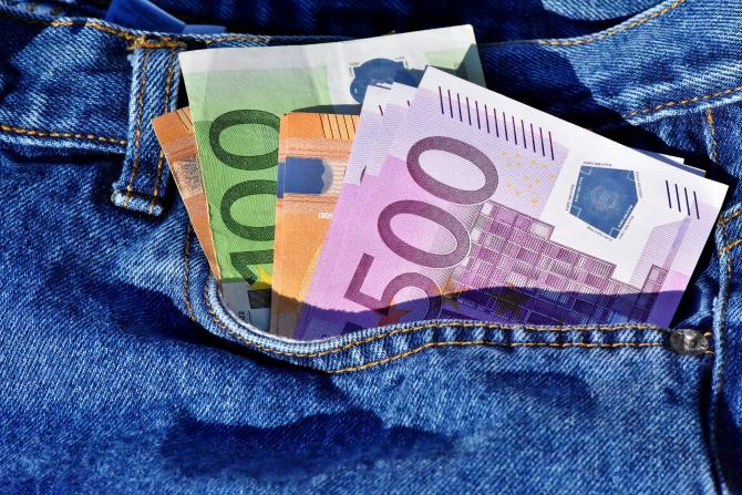 """Germania oferă câte 1.200 de euro pe lună voluntarilor: """"Nu trebuie să facă nimic pentru bani"""""""