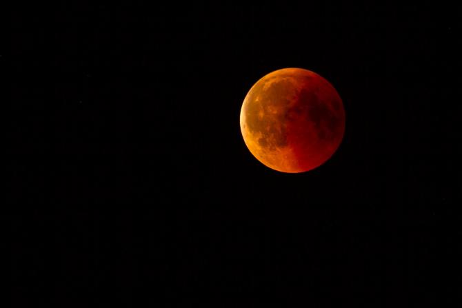 Horoscop 24 iunie. Ce aduce ultima super Lună Plină a anului 2021 fiecărui nativ: Racii cad în ispite, iar Săgetătorii au probleme cu banii
