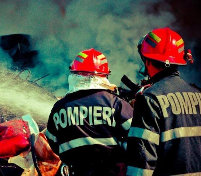 Incendiu la Spitalul de Boli Cronice din Argeș. 32 de pacienți au fost evacuați