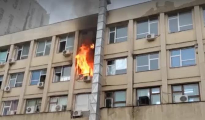 """Incendiu la Spitalul de Copii """"Sfânta Maria"""" din Iași: """"Dacă era noaptea, nu mai scăpa nimeni"""""""