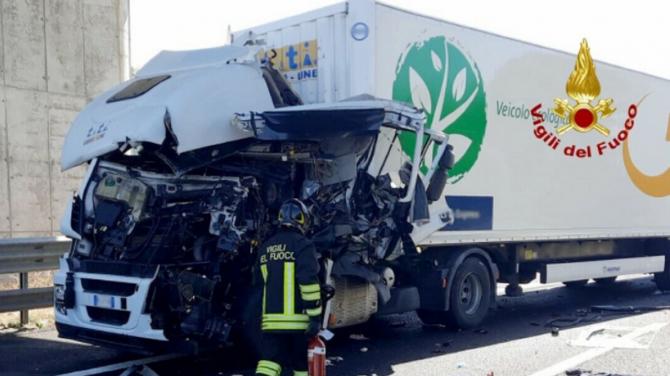 Italia. Încă un șofer de TIR a murit pe A1, la nici 24 de ore distanță de la tragedia de ieri