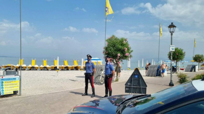 Italia. O româncă a sunat disperată la carabinieri, după ce soțul violent s-a întors acasă