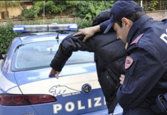 Italia. Un român va răspunde pentru un furt comis acum 14 ani. Fugarul, prins într-un autocar care se întorcea din Spania