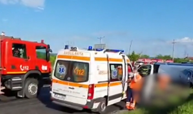 """Momente dramatice la accidentul mortal de microbuz, în care erau 10 copii români: """"Mami vine şi te ia, da? Nu ai cum să rămâi în stradă!"""""""