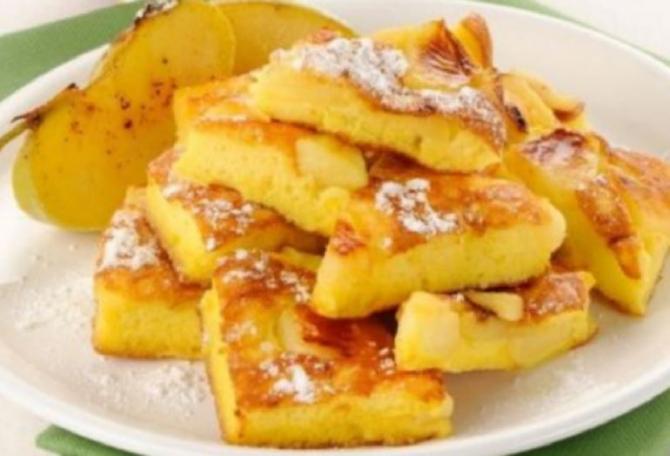 Omletă dulce cu mere. Delicioasă, rapidă și dietetică. O porție are doar 100 de calorii