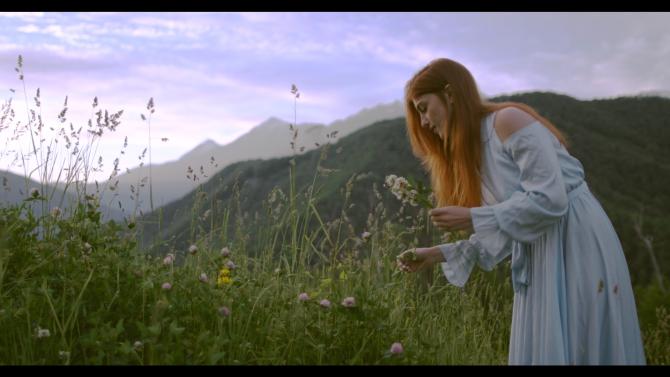 """Sânzienele sau Drăgaica, noaptea magică a româncelor: Ritualuri, tradiţii și superstiții în ziua când """"se deschid porţile cerului"""""""