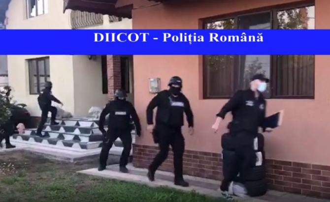 Șase proxeneți români, care acționau prin metoda Loverboy, arestați. Infractorii recrutau fete și le duceau în Spania