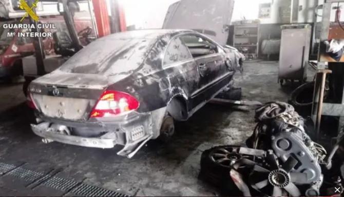 Spania. Afacerea unui român, închisă de polițiști. Bărbatul deținea un atelier ilegal de dezmembrări autovehicule