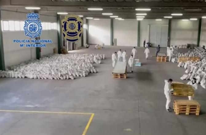 Spania. O tonă de cocaină neagră, descoperită în containere cu cărbune