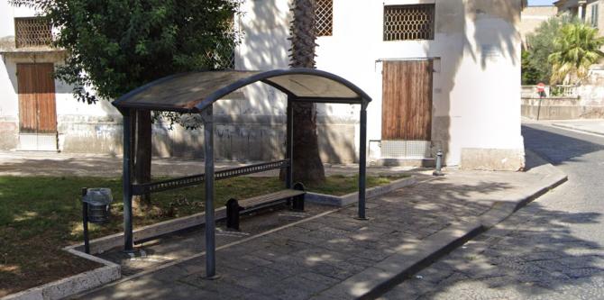 Stația de autobuz din Via Guglielmo Marconi (Marcianise) - sursa foto: Google Streetview