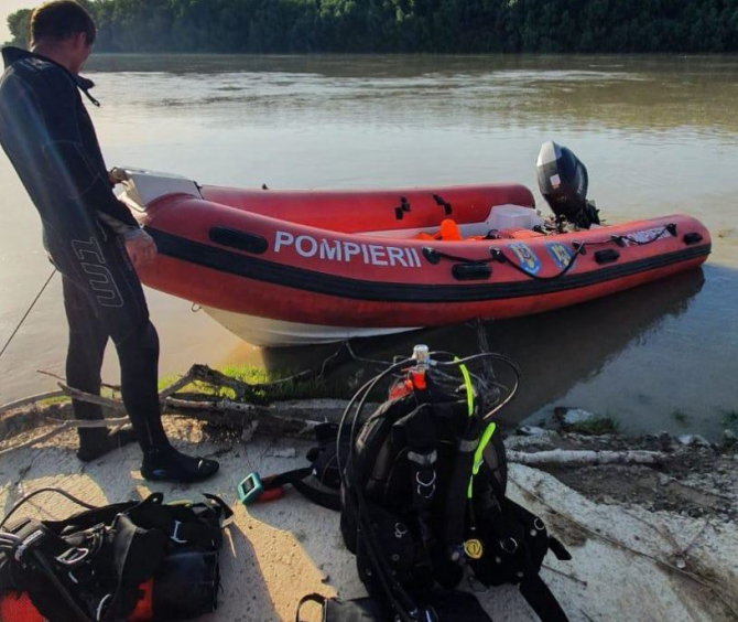 Surorile dispărute în Dunăre, în zona portului Isaccea, de negăsit. Mama celor două minore muncește în Anglia