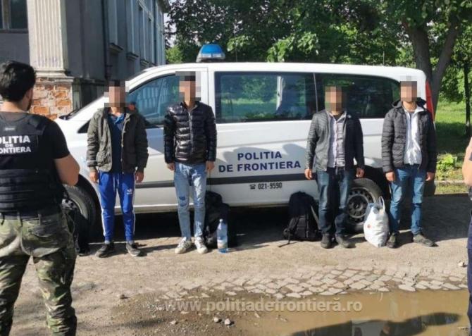 Taximetrist român, cercetat pentru trafic de migranți. Bărbatul, plasat sub control judiciar