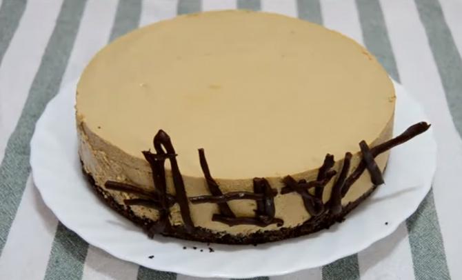Tort de cafea înghețat, cel mai ușor și mai delicios desert. Ideal pentru cele mai fierbinți zile de vară