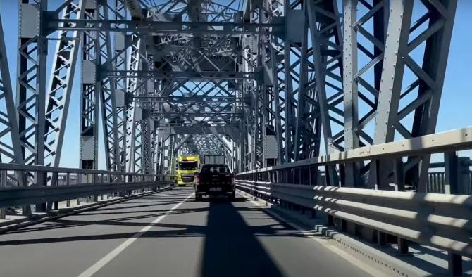 Ziua podului Giurgiu-Ruse. Duminică, șoferii nu plătesc tariful de trecere