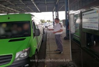 Ansamblu rutier, oprit în vama Albița. Șoferul s-a ales cu dosar penal