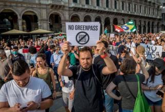 Italia. Proteste în mai multe orașe, împotriva noilor măsuri care afectează persoanele nevaccinate Nu paşaportului sanitar