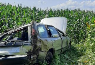 Patru copii români, la spital, după un accident grav. Autoturismul a fost distrus în întregime