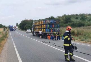 Pericol pe un drum național. 14 butelii cu gaz au căzut dintr-un TIR pe DN 19 în Bihor