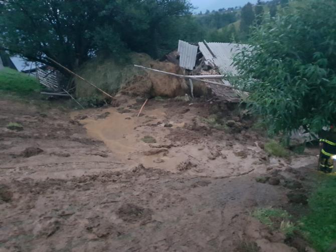 Alunecări de teren. sursa foto: ISU Braşov