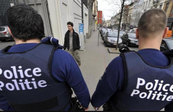 Belgia. Cinci români au jefuit un magazin de telefoane, reușind să oprească alarma. Procuror O bandă cunoscută internațional
