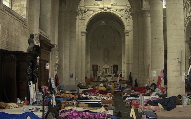 Belgia. Sute de migranți în greva foamei au ajuns în pragul morții. Guvernul refuză să le acorde dreptul de reședință
