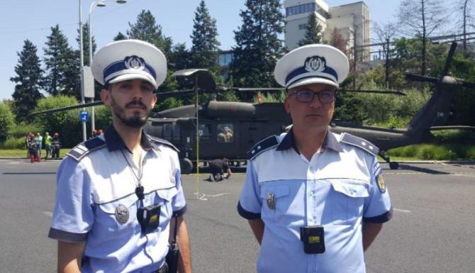 Doi polițiști, eroii zilei. Au oprit imediat mașinile, când au văzut elicopterul, care ateriza forțat Ne-am dat seama că ceva nu e în regulă