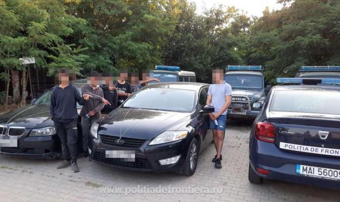 Doi români s-au ales cu dosare penale. Încercau să scoată, ilegal, din țară mai mulți cetățeni străini
