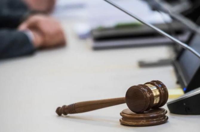 Elveția. Român, condamnat pentru tentativă de crimă. S-a răzbunat pe un bărbat, pe care l-a înjunghiat de 14 ori
