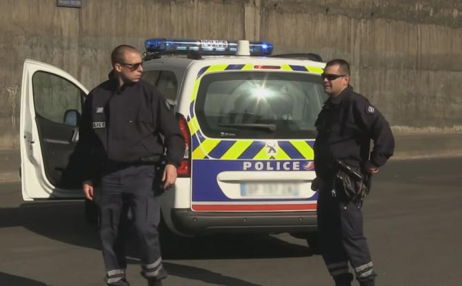Franța. Un român se zbate între viață și moarte după ce a fost prins într-un carambol cu cinci mașini