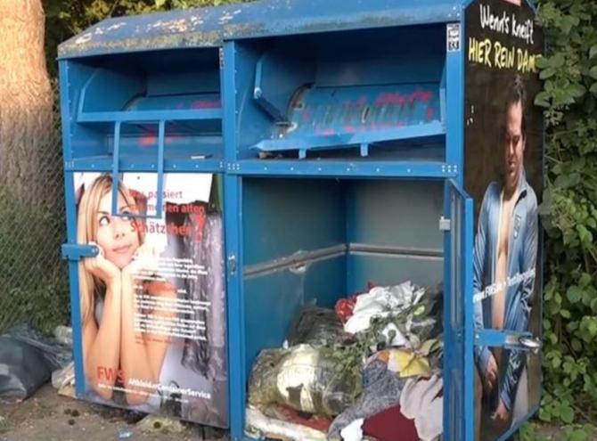 Germania. O tânăra și-a pierdut viață, după ce a rămas blocată într-un container de haine
