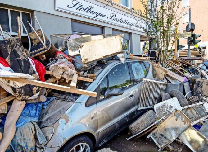 Germania. Patru români, autorii unor jafuri în zona dezastrului. Poliția federal face apel Raportați persoanele și vehicule suspecte