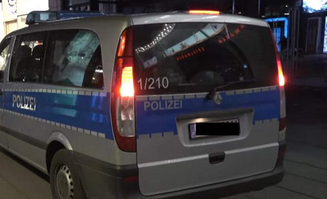 Germania. Un român a scos cuțitul într-un tren și a început să amenințe un grup de tineri pentru o sticlă cu apă