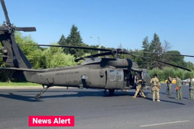 Incident aviatic în București. Un elicopter american a doborât mai mulți stâlpi de iluminat