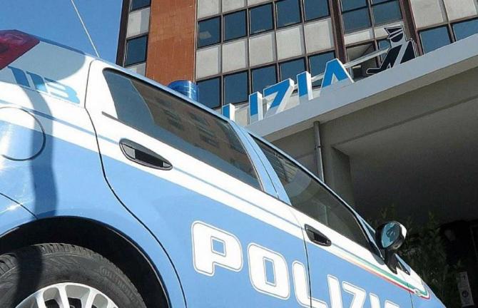 Italia. Un român beat s-a dat în spectacol într-o parcare. A fost săltat de carabinieri și dus în arest