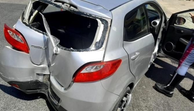 Italia. Un șofer român a lovit cu mașina doi polițiști. Un ofițer a fost luat pe capotă și târât zece metri