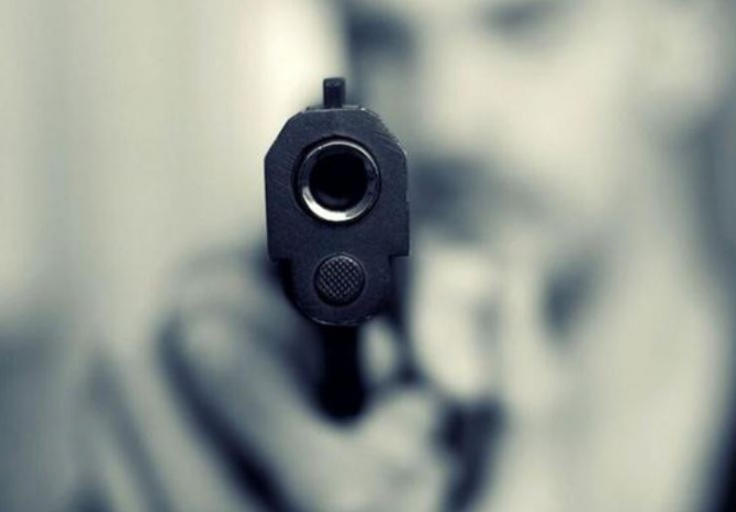 Pus pe scandal un român a tras cu arma într-un hotel din Parcul Național Varese