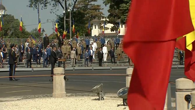 """Klaus Iohannis, la ceremonia încheierii misiunii militare în Afganistan: """"Aţi scris istorie, sunteţi eroii generaţiilor noastre"""""""
