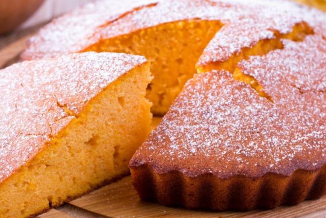 Plăcintă cu mere și portocale. Descoperiți un deliciu culinar de zile mari. O felie are doar 170 de calorii