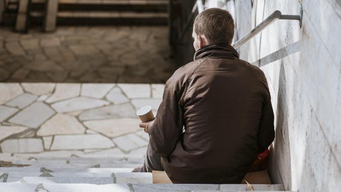 """Povestea cerșetorului român care știe cinci limbi străine: """"Tatăl meu nu m-a dorit. Nici mama mea, dar Dumnezeu m-a vrut"""""""