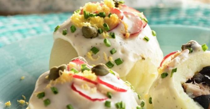 """""""Bombe"""" de cartofi umplute. Rețeta sănătoasă și foarte simplă, gata în câteva minute. FOTO: captură lecturas.com"""