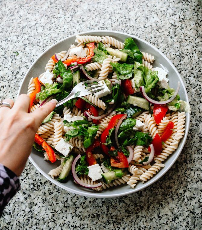 Salată Antipasto, reţeta verii! Aperitv delicios şi răcoritor pentru picnic, foarte uşor de făcut (sursa foto: Pixabay)