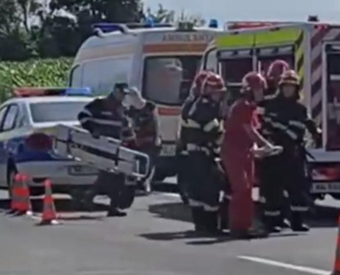 Soț și soție, morți pe loc într-un accident grav la Iași. Mașina în care se aflau a lovit frontal o duba Sursa - bzi.ro