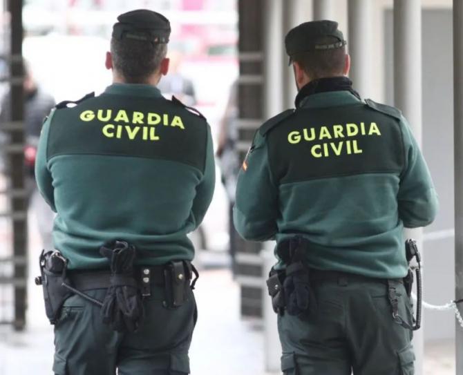 Spania. O româncă a jefuit un bătrân de 84 de ani. A intrat peste el în lift și i-a luat portofelul