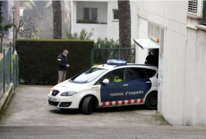 Spania. Un român a fost înjunghiat grav în gât de o rudă. Atacatorul de 27 de ani a ajuns în arest