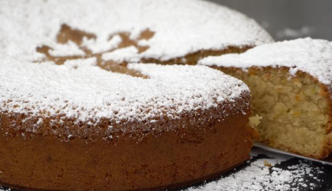 Tortul lui Santiago, unul dintre cele mai faimoase deserturi. Are o aromă care va face ca întreaga casă să miroasă a glorie. FOTO: captură video YouTube @El Mundo Eats