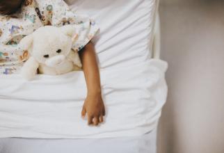 Doi copii, internați cu COVID în stare gravă la Matei Balș. Mamele lor sunt nevaccinate