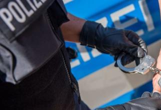 Germania. Un român, căutat cu mandat de arestare, se plimba cu mașina pe autostradă. A fost săltat, imediat, de polițiști