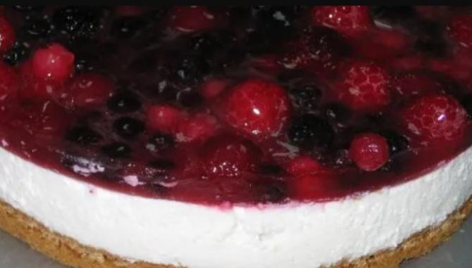 Cheesecake de vară. Un desert super gustos, gata în câteva minute. Are puține calorii și este senzațional