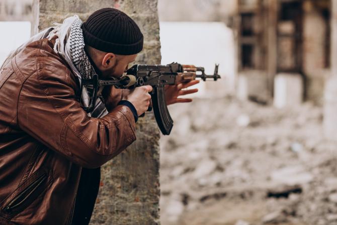Criză Afganistan: Reuniune specială a NATO. Talibanii au cucerit Kandahar și amenință capitala Kabul